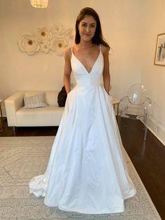 Kate Mcdonald Wedding Dresses, Dream Wedding Dresses, Wedding Goals, Wedding Day, 15 Dresses, Bridesmaid Dresses, Wedding Colors, Wedding Styles, Pretty White Dresses