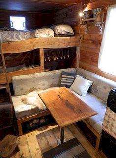 Özel RV Camper Van Stealth Dönüşümü (8)
