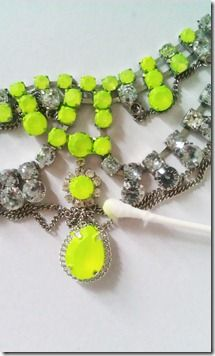 sooo want to do this... diy neon necklace