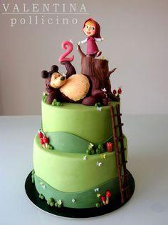 Masha and the Bear cake Pretty Cakes, Beautiful Cakes, Amazing Cakes, Fondant Cakes, Cupcake Cakes, Masha Cake, Masha Et Mishka, Baby Birthday Cakes, Bear Birthday