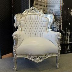 Plus de 1000 id es propos de mobili barocco moderno sur - Mobili stile barocco moderno ...