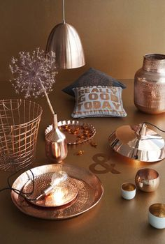 Copper: glowing, shiny and just a little bit fancier than gold or silver. Copper And Marble, Copper Rose, Rose Gold, Copper Interior, Interior And Exterior, My Living Room, Home And Living, Restauration Hardware, Deco Rose