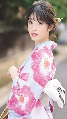 Cute Japanese Women, Japanese Beauty, Yukata, Figure Poses, Body Photography, Japanese Outfits, Cute Asian Girls, Cosplay, Korean Celebrities