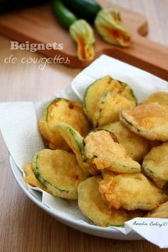Beignets de courgettes Veggie Recipes, Vegetarian Recipes, Cooking Recipes, Healthy Recipes, Caesars Salad, Mauritian Food, Soup Appetizers, Good Food, Yummy Food