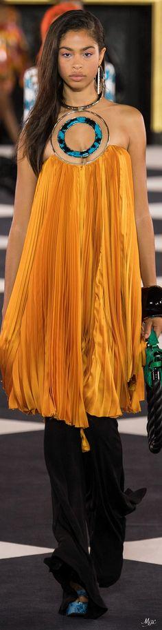 Tribal Fashion, High Fashion, Fashion Show, Womens Fashion, Fashion Brands, French Fashion Designers, Fall Wardrobe, Casual Looks, Balmain