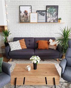 Kényelmes kanapé kedves kis párnákkal a hétvégi lejtőzésekhez. Fedezd fel kárpitozott kanapénk széles választékát weboldalunkon! #beliani #belianimagyarorszag #belianimagyarország #nappali #kanapé #kanape #inspiráció #díszpárna #diszparna Outdoor Sofa, Outdoor Furniture, Outdoor Decor, Elegant Homes, Foto E Video, Decorating Your Home, House Design, Couch, Living Room
