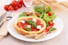 Tarta z pomidorami i kozim serem