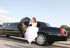 Welcome to Hummer city Limousines Perth, the best Service for Hummer Limousines Hire in the complete Perth City. White Hummer, Limo Ride, Hummer Limo, Limousine Car, Party Bus Rental, Chartered Bus, Rich Life, Club Style