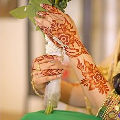 Mehndi Designs Front Hand, Henna Flower Designs, Modern Henna Designs, Khafif Mehndi Design, Stylish Mehndi Designs, Henna Art Designs, Mehndi Designs For Girls, Mehndi Design Photos, Mehndi Designs For Fingers