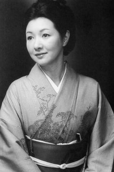 Hideko Takamine (March 1924 – December was a Japanese actress. A child star in the Hideko Takamine went on to perform in more than 200 films. During the post-World War II era, she played a variety of contemporary women who captured the tenor of the times. Japanese Film, Japanese Beauty, Japanese Kimono, Vintage Japanese, Japanese Photography, Japan Girl, Girl Inspiration, Old Actress, Women In History