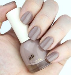 H&M Nail Polish in Go-To Greige Nail Swatch