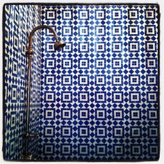 chic: Pattered Tiles + Gold taps maybe one wall, but beautiful Turkish Tiles, Moroccan Tiles, Moroccan Bathroom, Eclectic Bathroom, Turkish Bath, Bathroom Interior, Bathroom Inspiration, Interior Inspiration, Gold Taps