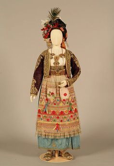 Bridal or festive costume from Corfu, Ionian islands, Greece. Folk Clothing, Greek Clothing, Tribal Dress, Ethnic Dress, European Costumes, Kai, Ethnic Outfits, Corfu, Folk Costume
