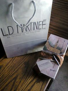 """L.D Martineé presents: """"My trip to Thames river"""" Luxurious gifs"""
