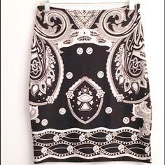 New Black & White stretch skirt Med Great skirt. Size medium. No trades no PayPal. Skirts Midi