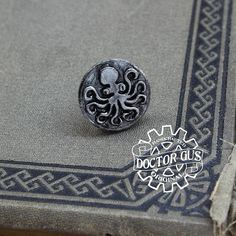Octopus Pin Tentacle Tie Tack Cthulhu Inspired Cephalopod Octopus Jewelry, Tie Accessories, Steampunk Costume, Recycled Jewelry, Metal Casting, Tentacle, Suit And Tie, Cthulhu, Geek Chic