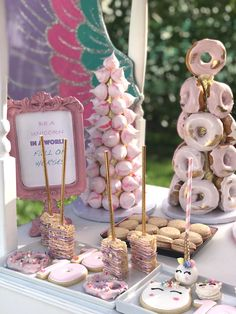 PlanDesignEvents's Birthday / Unicorn - If Unicorns had Wheels at Catch My Party Unicorn Themed Birthday Party, 3rd Birthday Parties, Unicorn Party, Birthday Bash, Birthday Party Decorations, Birthday Ideas, Unicorn Wedding, Donut Party, Party Time