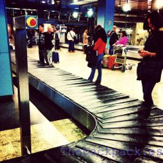 Busca tu #cinta y recoge tú equipaje, #rotura de #maleta #trolley, no tiene solución y necesitas una nueva?... Confía en nuestros #personalshopper y llévatela al mejor precio #lowcost #buylowcost by #thebackpack #outletgacela #bolsosazkona #notefallaremos #nosmovemoscontigo #simbiosctv