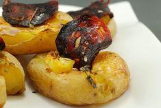 PATATAS TIERNAS Y CRUJIENTES CON CHORIZO CARAMELIZADO Caramelized Chorizo with smooth and crunchy potatoes (oven) Patates tendres et croustillantes au chorizo caramélisé