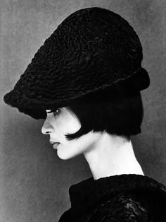 Marie Lise Gres,   woman,   60's, page, hat, profile, black and white