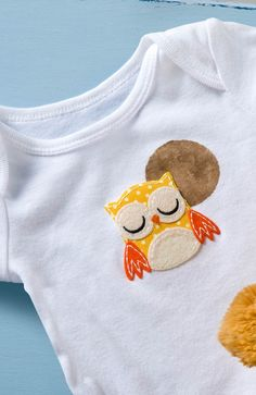 Make an adorable DIY baby onesie with a decorative owl!