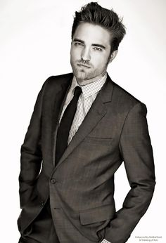 This picture of Robert Pattinson is very Christian Grey... Don't you think???