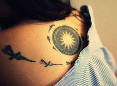 kreative-frauen-tattoos-für-rücken