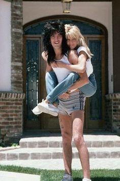 Tommy Lee N' Heather Locklear Tommy Lee Motley Crue, Phoebe Cates, 80s Hair Bands, Heather Locklear, Nikki Sixx, Famous Couples, Star Wars, Rock Legends, Van Halen