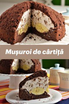 """Ce este prajitura """"Musuroi de cartita""""? Un blat delicios cu aroma de ciocolata, foarte bine insiropat cu sirop de zahar ars, un blat pe care o data copt si racit, il scobim la interior pentru a face loc bananelor. Urmeaza apoi un strat…nu, nu un strat, un MUNTE de crema de branza cu bucatele de ciocolata amaruie si deasupra firmiturile care ne-au ramas de la blat. Arata exact ca un musuroi de cartita si este o prajitura atat de buna! Lidl, Foodies, Cheesecake, Treats, Desserts, Knives, Sweets, Recipes, Banana"""
