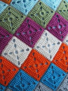 Another Granny Square Crochet Bedspread, Crochet Quilt, Crochet Blocks, Filet Crochet, Crochet Motif, Baby Blanket Crochet, Crochet Doilies, Crochet Flowers, Granny Square Crochet Pattern