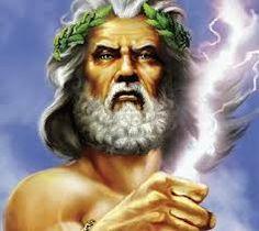 Griekse god Zeus is de oppergod van alle goden. hij gooit met bliksem en is de god van de hemel.