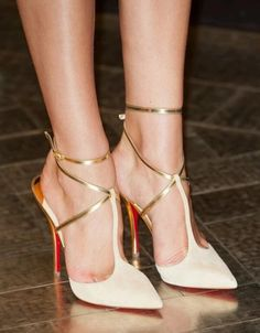 Pin by bare feet on feet and heels pinterest this can be perfect combination for your nails if you have louboutin shoes to match with your nails that will be more perfect maybe it is not easy to do it solutioingenieria Choice Image