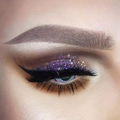 I found my Good ol Uninterrupted eyeshadow!  The best eyeshadow that was ever made! And then discontinued..  Why @maccosmetics ?  Products used: Brows @lasplashcosmetics Velvet Matte Liquid Lipstick #marshmellowmeringue & @urbandecaycosmetics Naked2 Basics #cover  Shadows @urbandecaycosmetics Naked2 Basics (all the shades)  Under eye @maccosmetics Pro Longwear #uninterrupted  Glitters @glitterinjections #purplepassion & #mintymocha  Liner @thebalmeu  Lashes @lillylashes #sophia  Hilight...