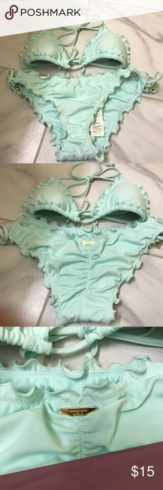 Abercrombie & Fitch Swimsuit Women's XS, with padding In good condition Abercrombie & Fitch Swim Bikinis