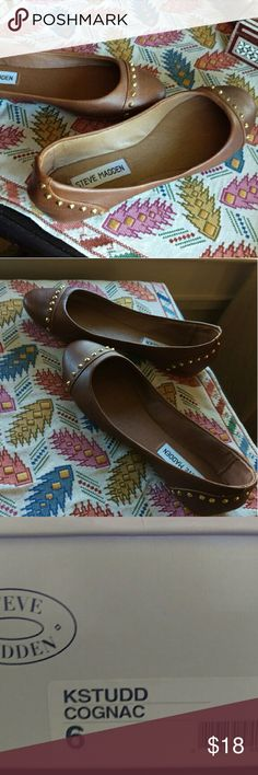Steve Madden Cognac Flats Size 6 Steve Madden cognac flats. Re-posh purchase. Great condition. Not sure they were ever worn. Steve Madden Shoes Flats & Loafers