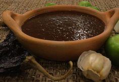 Esta salsa picante para guisados es tan sabrosa, versátil y fácil de hacer que se convertirá en una de las más importantes de tu repertorio mexicano.