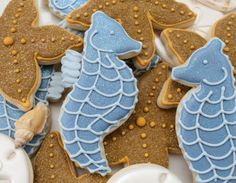 Seahorse and starfish cookies from {Callye Alvarado} {Callye Alvarado} Fancy Cookies, Sweet Cookies, Cute Cookies, Iced Cookies, Cookie Desserts, Cupcake Cookies, Sugar Cookies, Cupcakes, Starfish Cookies
