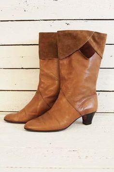 vintage seventies laarzen. bruin leer en suède... http://www.sugarsugar.nl/vintage-schoenen-vintage-laarzen-c-35_34.html?sort=1d