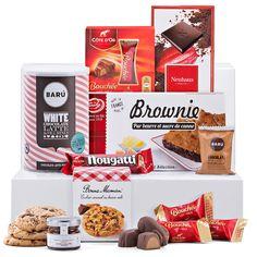 België is beroemd omwille van zijn onweerstaanbare, luxueuze chocolade en koekjes. Onze grandioze geschenkmand met Belgische chocolade is een prachtige keuze als je zoetigheden naar Europa wilt sturen.