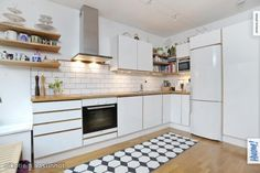 Nice Kitchen Cabinets, Nice, Home Decor, Decoration Home, Room Decor, Kitchen Base Cabinets, Nice France, Dressers, Kitchen Cupboards