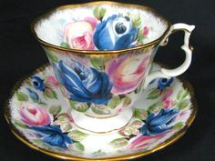 ROYAL ALBERT SUMMER BOUNTY SAPPHIRE ROSES GOLD TEA CUP AND SAUCER	  			   		 	  				|