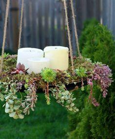 pot suspendu DIY plateau en métal décoré de bougies et plantes succulentes