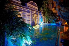 Miami - Stay at the Versace Mansion! The Villa Casa Casuarina Ocean Drive Versace House Miami, Versace Home, Gianni Versace House, Atelier Versace, The Villa Casa Casuarina, Art Deco Hotel, Mosaic Garden Art, Zen, South Beach