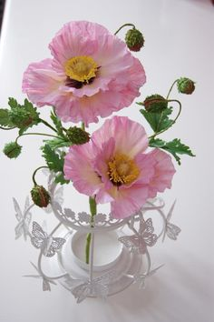 Pale Pink Poppies - Cake by Sweet Surprizes