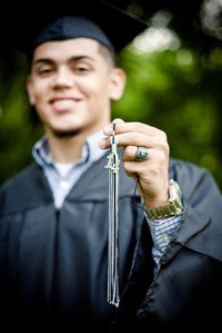 Senior portrait with cap and gown and showcasing his hassle and senior ring. Tak… Senior portrait with cap and gown and showcasing his hassle and senior ring. Taken at Katherine Hope Memorial Park in Mansfield, Texas. College Graduation Photos, Graduation Picture Poses, Graduation Photoshoot, Graduation Pictures, Grad Pics, Graduation Portraits, Graduation Ideas, High School Graduation Picture Ideas, Grad Photo Ideas