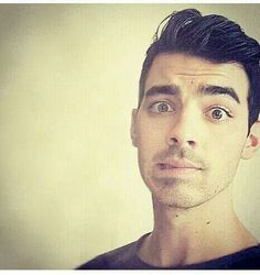 Beautiful eyes of Joe jonas Jonas Brothers i love it