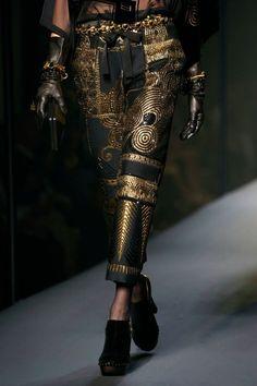 Walk Down This Lane Singing. Runway Fashion, High Fashion, Fashion Show, Love Fashion, Fashion Outfits, Womens Fashion, Jean Paul Gaultier, Dragon Jewelry, Fashion Details