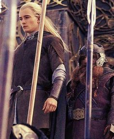 I can't believe it... here is a Legolas picture I haven't seen before! That almost never happens...