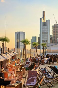 Everything you need to know when you travel to Frankfurt, including 15 things to do Visit Frankfurt with this guide and don't miss anything of this bustling city. City Beach, Beach Trip, Beach Travel, Outdoor Art, Outdoor Travel, Bacharach, Mall Of America, North America, Rhein Main Gebiet
