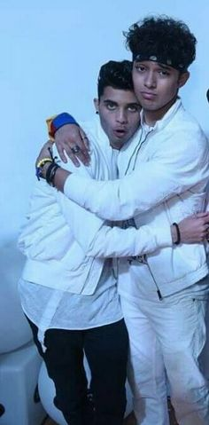 Joerick en Colombia Twenty One Pilots, I Love You All, My Love, Brian Colon, Sebastian Yatra, Romeo Santos, Daddy Yankee, Friend Pictures, Reaction Pictures